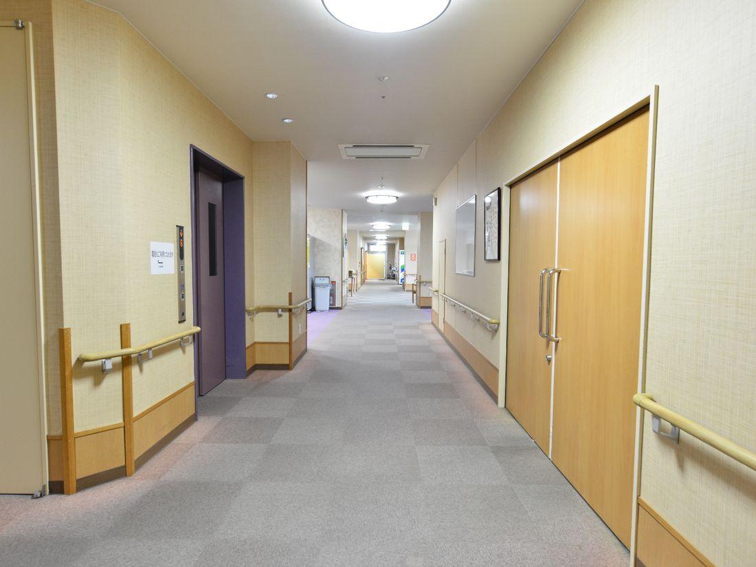 廊下ホール2
